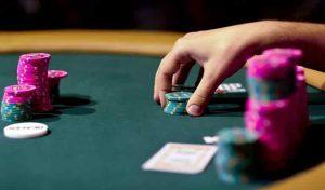 live-poker-table
